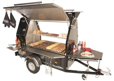 trailblazer-600s-grillmaster-bbq-open-dressed-1200x866